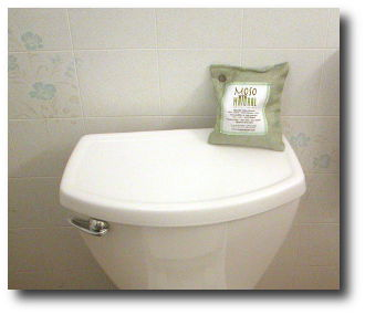 moso natural bag in bath
